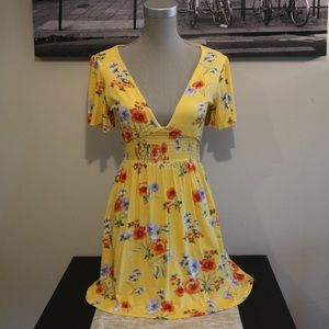 NWT! 🛍 F21 | Yellow Floral Dress